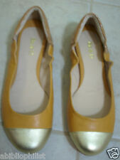 BE & D FLATS  9.5 M STEVIE GOLD LOAFERS CLOSED TOES LEATHER MOCCASINS NEW