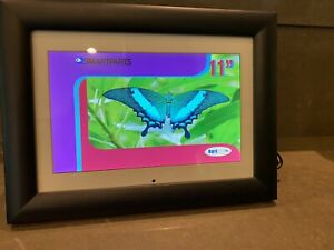 """SmartParts 11"""" Black Digital Photo Frame With USB+ (display 4 pictures at once)"""