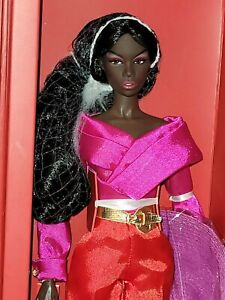 Integrity Toys Every Woman  Zuri Okoty Dressed Doll Meteor: Le Chic Collection