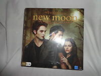 Twilight Saga New Moon Movie Game Board 2-8 Players ages 13+ Toy