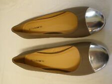 BFT Barefoot Tess Atlanta Grey Taupe 12 M New Flats Silver Closed Toe