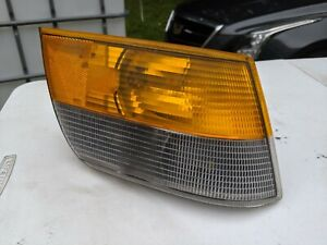 Saab 900 87 88 89 90 91 92 93 RH Turn Signal Parking Light SPG Classic 9556101
