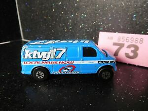 Maisto 2000 Chevrolet Express Van KTVG17 (73)