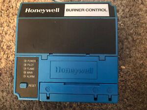 Honeywell Burner Control RM7890 B 1048.