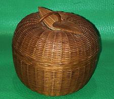 Vintage Apple Shaped Brown Wicker Basket/Trinket Box With Lid Leaves Stem
