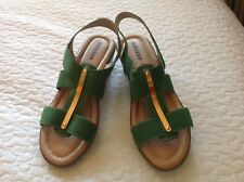 Adesso bn green leather wedges. 40. Gold detail. Stretch element