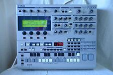 Yamaha RS7000 Music Production Studio V1.22 w/ 64MB memory, SM card