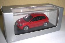 VW polo rojo 9n en 1:43 de Minichamps