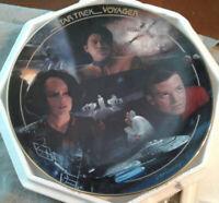 # 2074A Bonds of Friendship Star Trek Voyager Episode Collector Plate Hamilton
