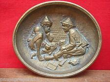 Joli ancien vide-poches en bronze décor enfants, tabac