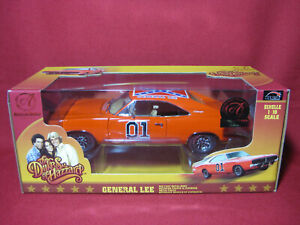 1:18 Dukes of Hazzard General Lee ERTL AUTHENTICS Dodge Charger American Muscle