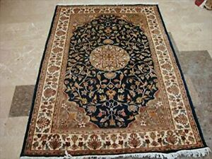 Exclusive Mid Night Medallion Hand Knotted Area Rug Wool Silk Carpet (6 x 4)'