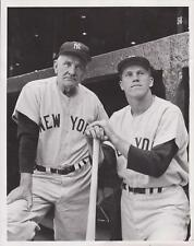 1957 NY Yankees Rookie Tony Kubek & Manager Casey Stengel - News Photograph