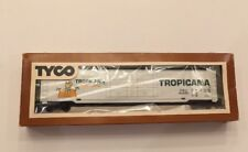 Tyco * TROPICANA *  62' DOUBLE DOOR * REEFER HO Scale Train   NIB