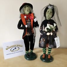Byers Choice 2020 Exclusive Wooden Duck Alex & Rose Ghoulish & Gorgeous Couple