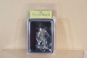 BRITAINS 23077 WWI 1914 BRITISH INFANTRY MARCHING WAVING CAP BOXED nv