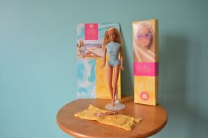 2001 Malibu Barbie Doll 1971 Reproduction With Keepsake Box