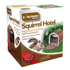 SQUIRREL FEEDER HOTEL HANGING WOODEN HOUSE BOX NEST GARDEN FEEDING STATION UK