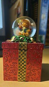 KIRKLAND Water Globe Christmas Teddy Gift Box