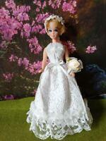 "DAWN DOLL clothing  DAWN ""WHITE WEDDING "" dress with daisy headband and flowers."