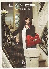 Publicité  2009  LANCEL Isabelle Adjani sac à main mode collection accessoire