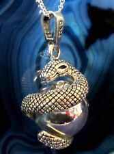 Pendant Silver Plated Snake Windet Located um Sound Sphere Sound Ball