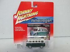 Johnny Lightning Volkswagen 1966 21 Window Samba Bus Green/White