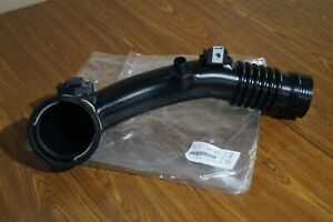 BMW Genuine Charge Air Induction 13717609811 OEM Charge pipe Intake manifol pipe