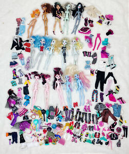 Monster High Lot of 15 Dolls Clothing Shoes Accessories Frankie Stein Draculara