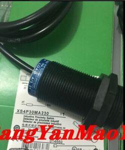 Telemecanique proximity switch NEW XS4P30MA230  *S#