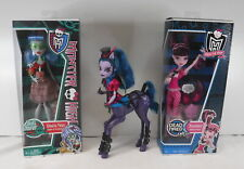 Lot of 3 Monster High Dolls Draculaura V7976 Ghoulia W9181 Yelps & Avia Trotter