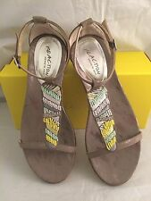 KENNETH COLE REACTION Taupe Beaded Ankle Strap Sandals Womens Sz 8.5 M