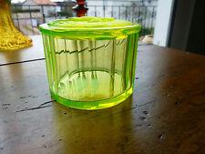SUPERBE BOITE ANCIENNE EN VERRE OURALINE / URANIUM GLASS