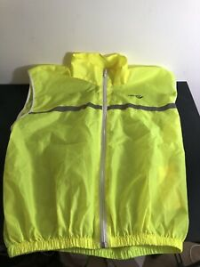 SAUCONY PERFORMANCE RUNNING VEST/GILLET HIGHLY REFLECTIVE IDEAL FOR DARK NIGHTS