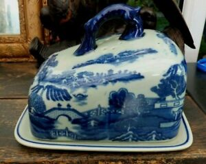 Vintage Large Cheese Cover Serving Dish Blue White Willow Pattern Flow Blue
