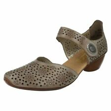 Velcro Leather Med (1 in. to 2 3/4 in.) Shoes for Women