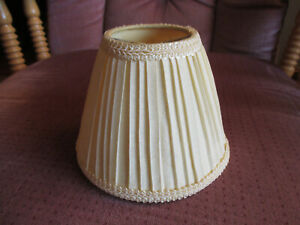 """Vintage Ivory Pleated Fabric Mini Chandelier Lamp Shade 4"""" tall clip on"""
