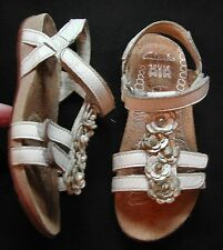 Clarks Girls white + silver leather flowery Sandals 3 straps UK 8 EU 25.5