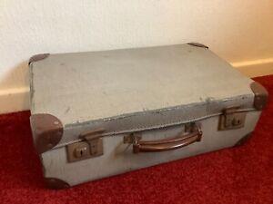 Vintage Suitcase Diagonal Stripes Pattern Brown / Beige Case 20x12.25x6.25ins