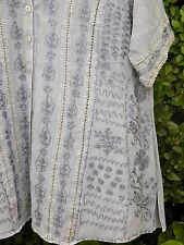 """LOOSE FITTING BLOUSE WITH EMBROIDERY METAL BUTTONS + OPENWORK -BUST 46"""""""