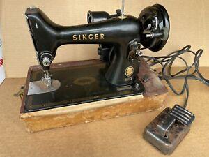 """VINTAGE  UNUSUAL1956 SINGER 99 """"99-"""" SEWING MACHINE SN: AM488249"""