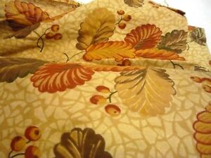 fabric cotton printed 1940's autumn white beam leaves & berries 90 cm wide 1m