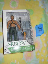 J6_9 DC Direct Collectible Lot CW ARROW OLIVER QUEEN W/ DEATHSTROKE TOTEM green