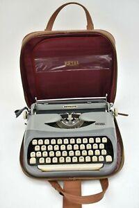 Vintage 1950s Royal Royalite 100 Portable Cased Typewriter