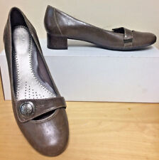 CLARKS Artisan Brown w/ SILVER BUTTON Leather Mary Jane Shoes BRAZIL Sz 9 N