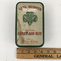 Vintage OFFICIAL GIRL SCOUTS FIRST AID KIT Johnson & Johnson  Empty Tin USA