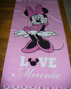 New Disney Minnie Mouse Beach Bath Towel Pink Love Minnie Cute!