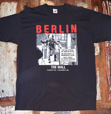 Vintage Berlin The Wall War Time Soldier Photograph Black Graphic T-Shirt XL