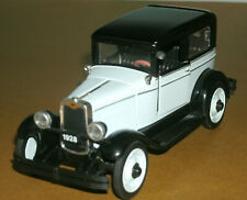 1/32 Scale 1928 Chevrolet National Series AB Coach Diecast Model Car - New-Ray