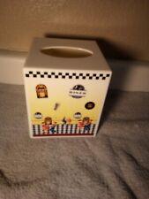 RETRO DINER--TISSUE BOX HOLDER / COVER--PLASTIC---FREE SHIP--VGC